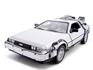 Delorean_From_Movie_Back_To_The_Future_2_124_Diecast_Car_by_Welly