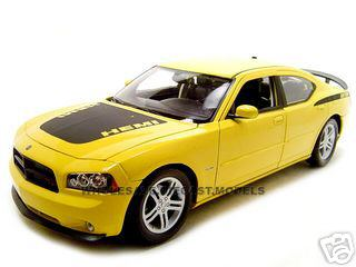 2006 Dodge Charger Daytona R/T Yellow 1/18 Diecast Car by Welly 18003y