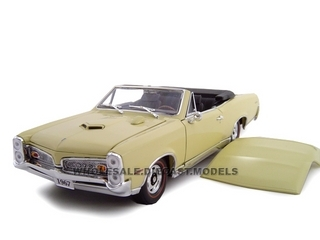 1967 Pontiac GTO Diecast Car Convertible Cream 1/24 Diecast Car Model by Unique Replicas