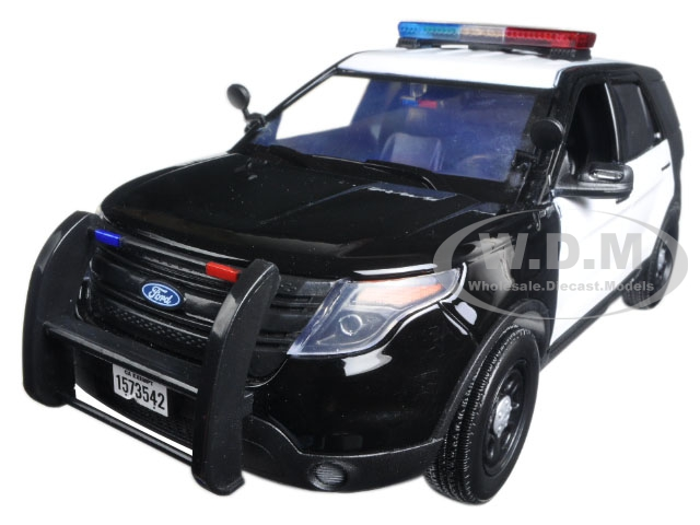 2015 Ford Police Interceptor Utility Black and White with Flashing Light Bar Front and Rear Lights and 2 Sounds 1/18 Diecast Model Car  by Motormax