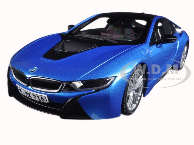 BMW i8 Protonic Blue and Frozen Grey 1/18 Diecast Model Car by Paragon (97084) photo