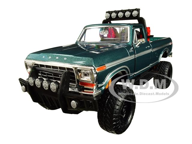 1979_Ford_F150_Custom_Pickup_Truck_Off_Road_Green_124_Diecast_Model_by_Motormax