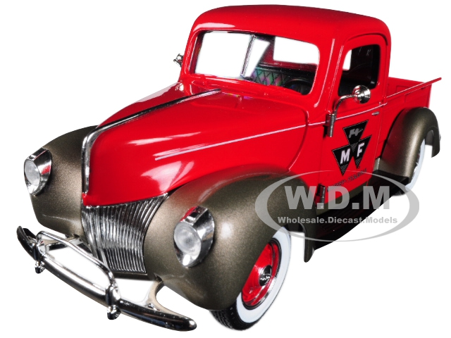 Massey_Ferguson_Ford_Pickup_Truck_Red_125_Diecast_Model_Car_by_Speccast