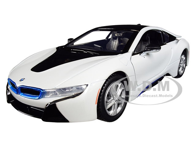 2018_BMW_i8_Coupe_Metallic_White_with_Black_Top_124_Diecast_Model_Car_by_Motormax