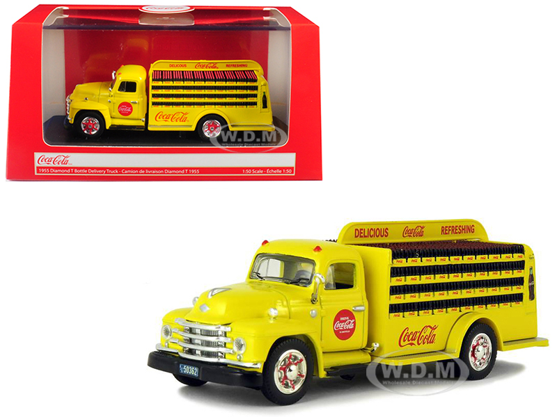 1955_Diamond_T_Bottle_Delivery_Truck_CocaCola_Yellow_150_Diecast_Model_Car_by_Motorcity_Classics
