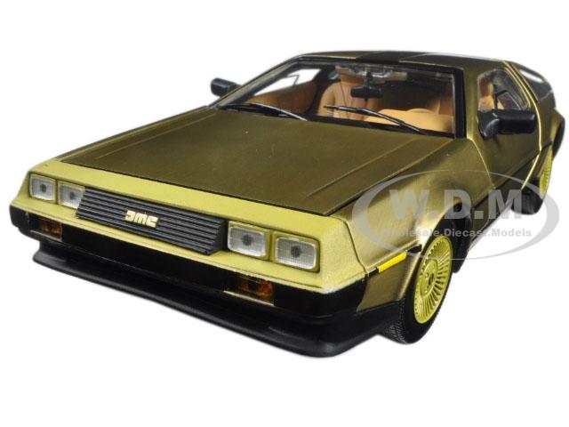 1981_De_Lorean_DMC_12_Coupe_Gold_Edition_118_Diecast_Model_Car_by_Sunstar