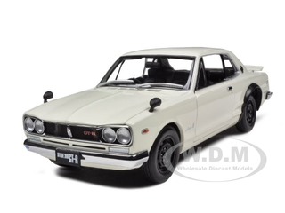 Nissan Skyline GT-R 2000 KPGC10 White 1/18 Diecast Model Car by Kyosho
