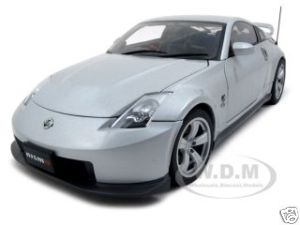 Nissan Fairlady Z Nismo 2007 380RS 1/18 Silver Diecast Model Car by Autoart