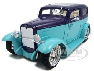 1931 Ford Model A Sedan Green/purple 1/18 Diecast Model Car By Road Signature
