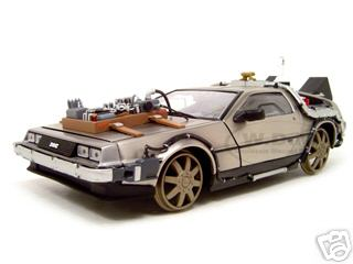 Delorean_From_Movie_Back_To_The_Future_3_Railroad_Time_Machine_118_Diecast_Model_Car_by_Sunstar