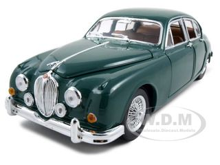1959 Jaguar Mark II Green 1/18 Diecast Model Car by Bburago