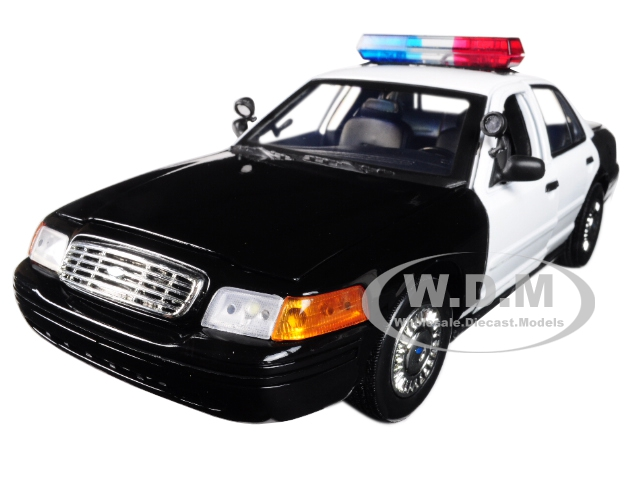 2001 Ford Crown Victoria Police Car Plain Black & White with Flashing Light Bar Front and Rear Lights and Sound 1/18 Diecast Model Car by Motormax