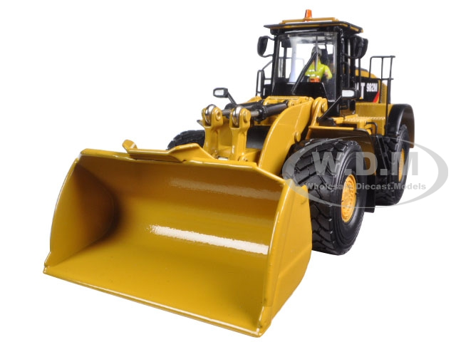 CAT Caterpillar 982M Wheel Loader with Operator