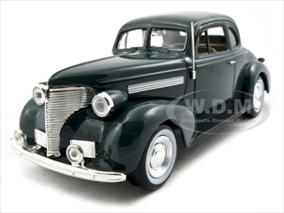 1939_Chevrolet_Coupe_Green_124_Diecast_Model_Car_by_Motormax