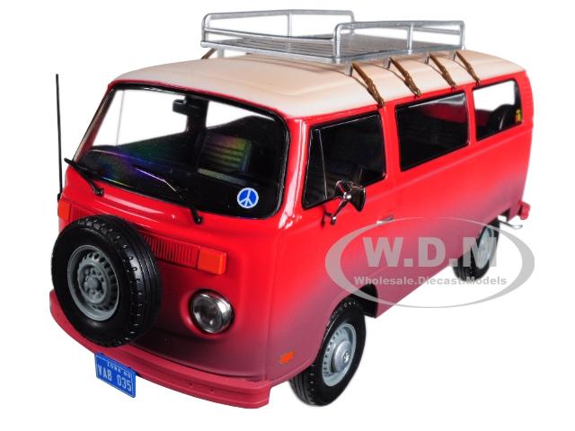 1973_Volkswagen_Bus_Type_2_T2B_Red_Field_of_Dreams_Movie_1989_124_Diecast_Model_by_Greenlight