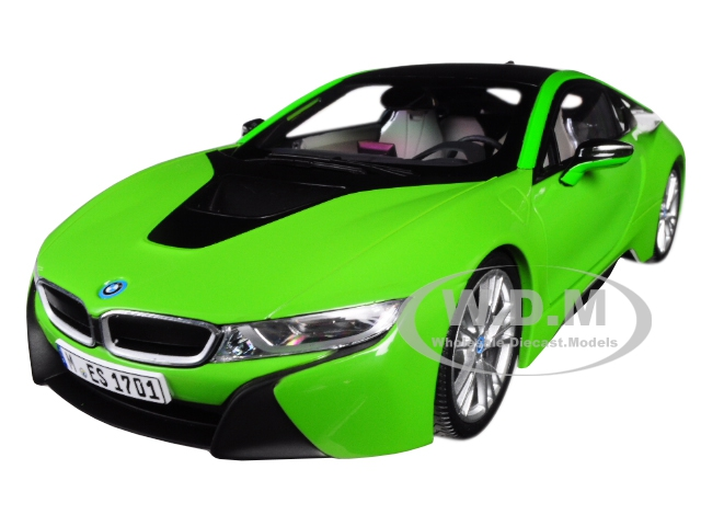 BMW i8 Java Green with Black Top 1/18 Diecast Model Car by Paragon (PA97086) photo