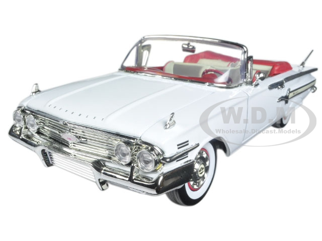 1960_Chevrolet_Impala_Convertible_White_118_Diecast_Model_Car_by_Motormax