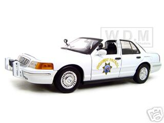 Ford_Crown_Victoria_California_Highway_Patrol_Car_White_118_Diecast_Model_Car_by_Motormax