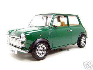 1969 Old Mini Cooper Green 1/18 Diecast Model Car by Bburago
