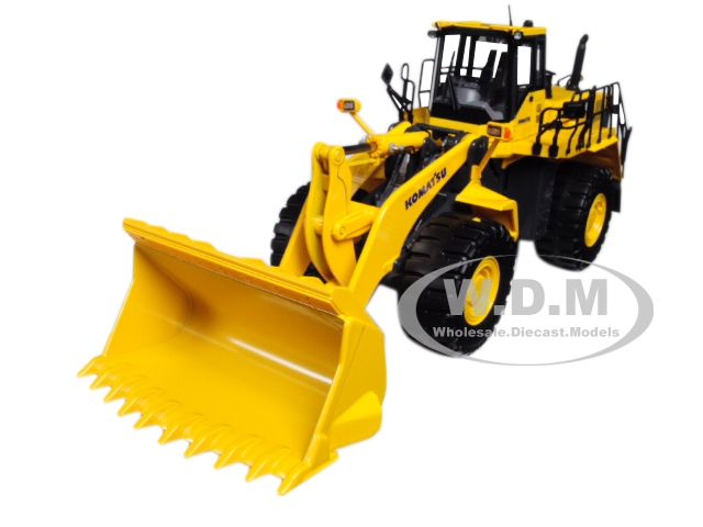 Komatsu WA600-6 Wheel Loader 1/50 Diecast Model by First Gear