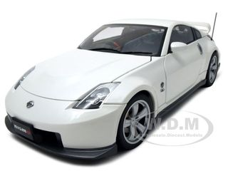Nissan Fairlady Z Version Nismo 2007 380RS White 1/18 Diecast Model Car by Autoart