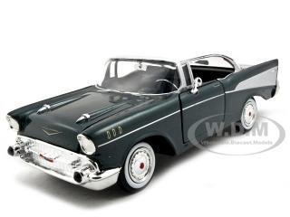1957_Chevrolet_Bel_Air_Green_124_Diecast_Model_Car_by_Motormax