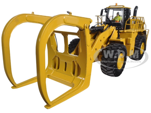 CAT Caterpillar 988K Wheel Loader with Grapple with Operator 1/50 Diecast Model by Diecast Masters