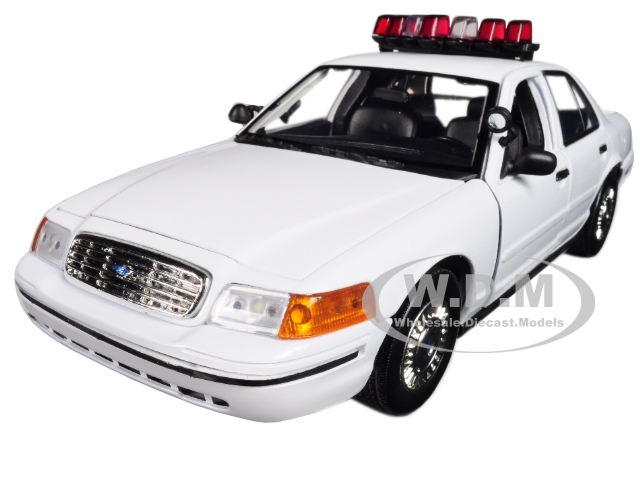 2001 Ford Crown Victoria Police Car Plain White with Flashing Light Bar Front and Rear Lights and Sounds 1|18 Diecast Model Car by Motormax