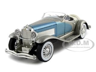 1935_Duesenberg_SSJ_BlueSilver_132_Diecast_Model_Car_by_Signature_Models