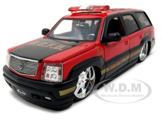 2002 Cadillac Escalade Fire Chief D.C.F.D. 1/24 Diecast Model Car by Jada