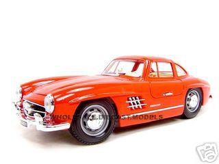 1954-mercedes-benz-300sl-gullwing-red-118-diecast-model-car-by-bburago