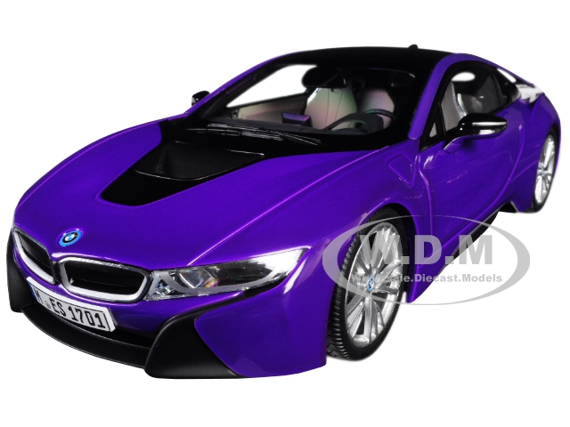 BMW i8 Purple with Black Top 1/18 Diecast Model Car by Paragon (97088) photo