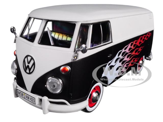 Volkswagen_Type_2_T1_Delivery_Van_with_Flames_124_Diecast_Car_Model_by_Motormax