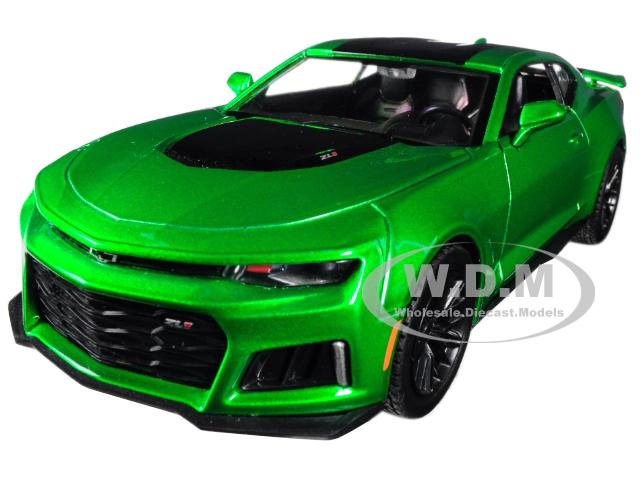 2017_Chevrolet_Camaro_ZL1_Metallic_Green_124_Diecast_Car_Model_by_Motormax