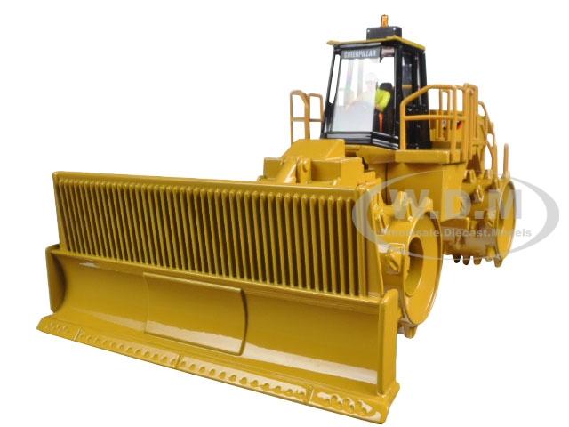 CAT Caterpillar 836H Landfill Compactor with Operator