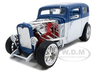 1931 Ford Model A Custom Blue/white 1/18 Diecast Model Car By Road Signature