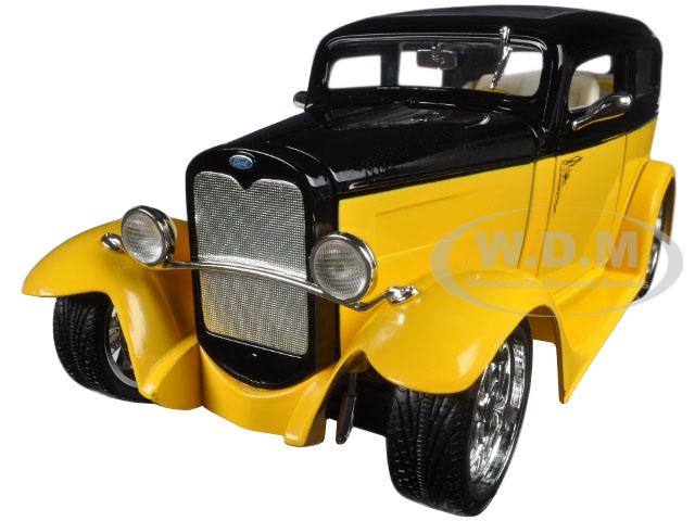 1931 Ford Model A Sedan Yellow/black 1/18 Diecast Car Model By Road Signature