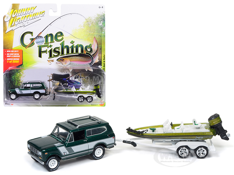 1979 International Scout Emerald green Poly with Bass Boat