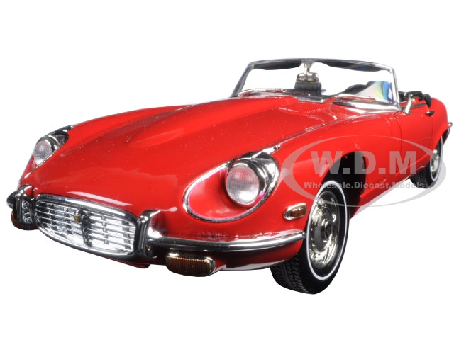 1971 Jaguar E Type Red 1/18 Diecast Model Car by Road Signature