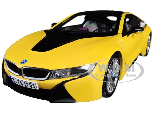 BMW i8 Speed Yellow with Black Top 1/18 Diecast Model Car by Paragon (97087) photo