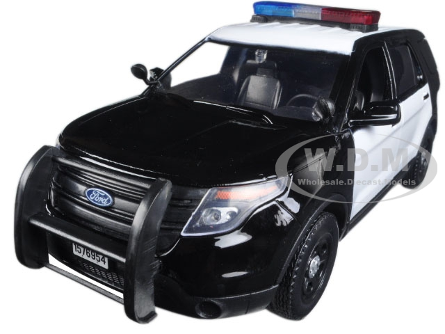 2015 Ford Police Interceptor Utility Black and White with Flashing Light Bar Front and Rear Lights and 2 Sounds 1/24 Diecast Model Car by Motormax