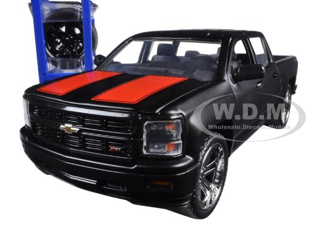 2014 Chevrolet Silverado Pickup Truck Matt Black