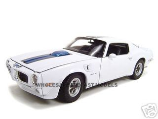 1972 Pontiac Firebird Trans Am White 1/18 Diecast Car by Welly