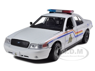 2010 Ford Crown Victoria Royal Canadian Police White 1/24 Diecast Model Car by Motormax
